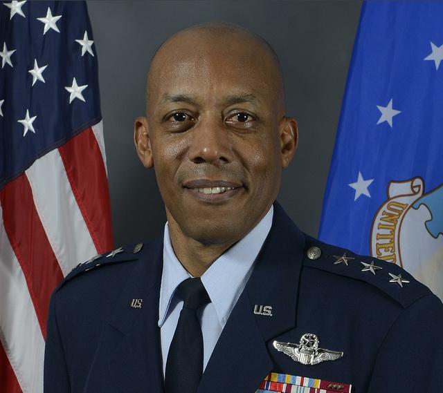 【什么是长尾关键词】_美参议院批准首位非裔美国人出任美空军参谋长