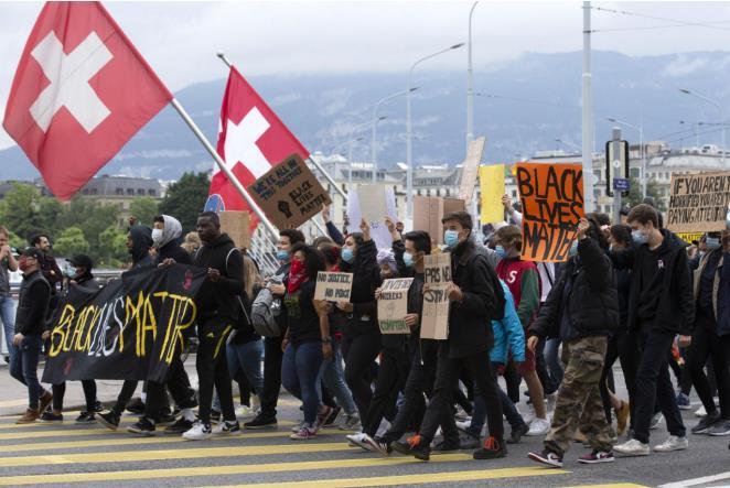 【网站收录入口】_弗洛伊德葬礼当天 瑞士爆发万人游行