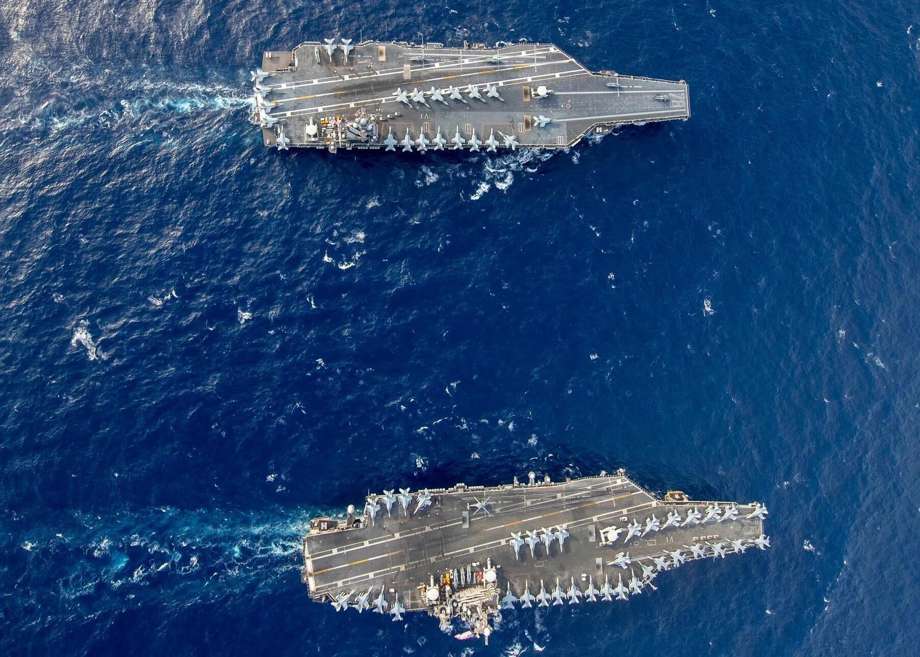 美军新旧两型航母首次合练 同角度对比差别一目了然