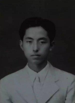 ▲中学时期的杨维骏。