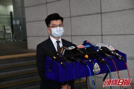 【策划网】_一家三口藏真枪实弹被捕 港警:有人曾在社交媒体说要袭击警察