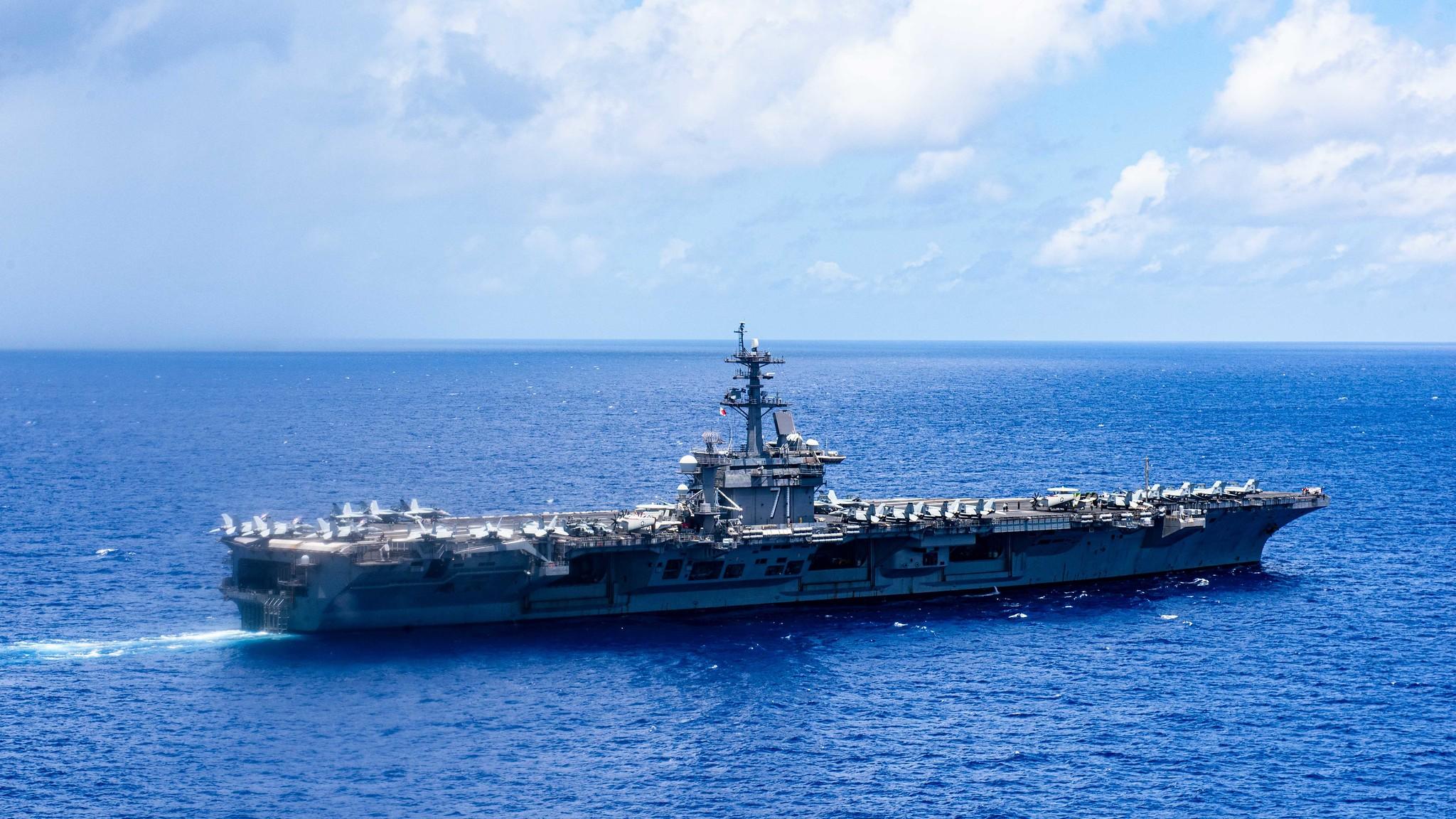 """刚重新返回部署半个月 """"罗斯福""""号航母舰载机坠毁"""