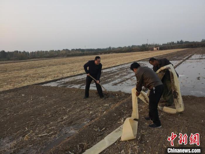 """河北衡水一驻村工作队历时3年让昔日贫困村""""化茧成蝶"""""""