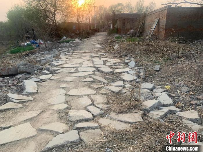 工作队刚入村时的村子一角。 衡水供电公司 供图 摄