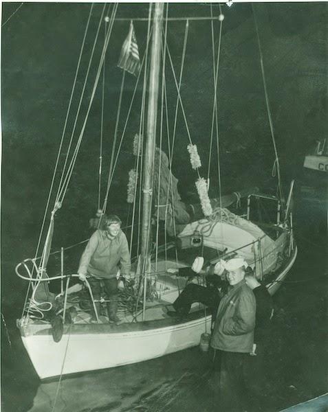 """39岁的安·戴维森驾驶""""费利西蒂·安(Felicity Ann)""""号完成了她的跨大西洋远征航行。"""