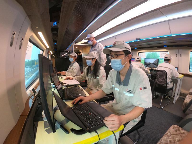 新突破!中国600公里高速磁浮试验样车在上海成功试跑插图