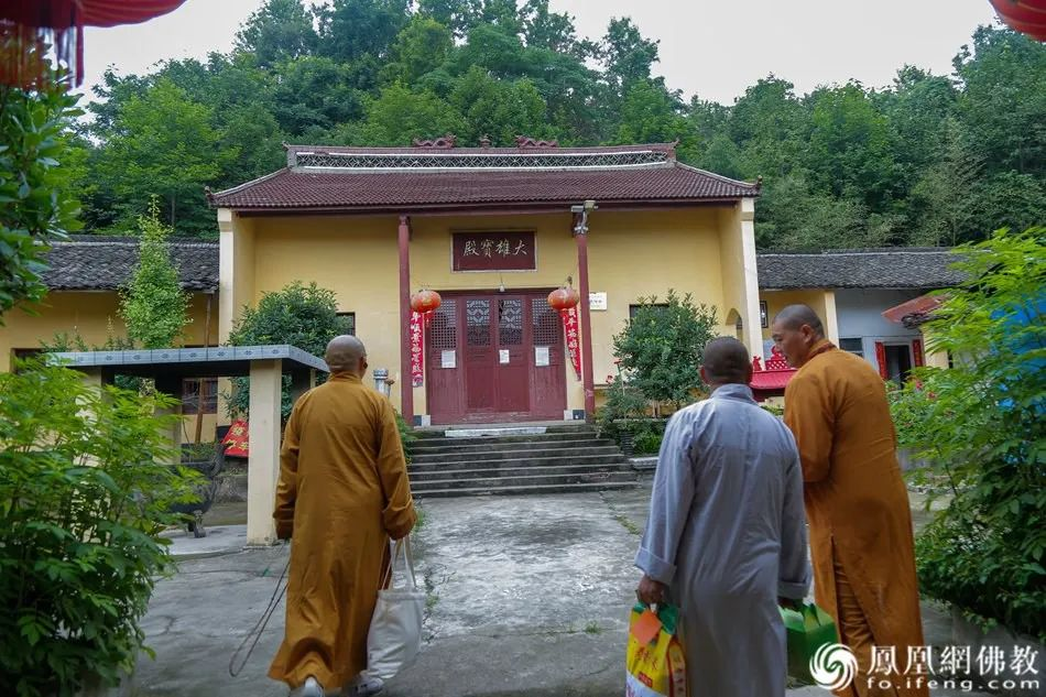 如意净寺的大雄宝殿已经是危房,为了安全已经关闭殿门不再使用。(图片来源:凤凰网佛教)