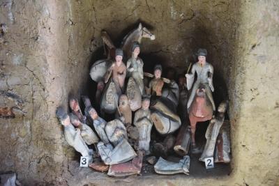 吐谷浑王族慕容智墓发掘现场