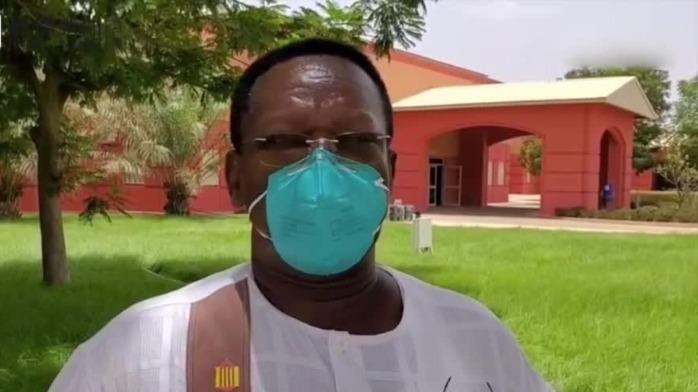 """""""中国队长""""谈抗疫中最难忘的人 非洲老教授用中文感谢医疗队"""