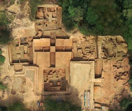 十字形中心神殿建筑