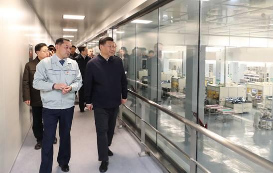20189年2月11日下午,习近平在成都中电熊猫显示科技有限公司考察