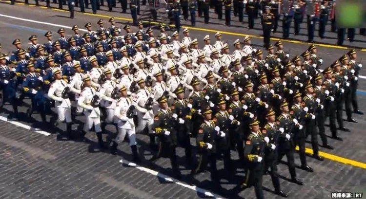 红场阅兵,中印防长、两国三军仪仗队都来了