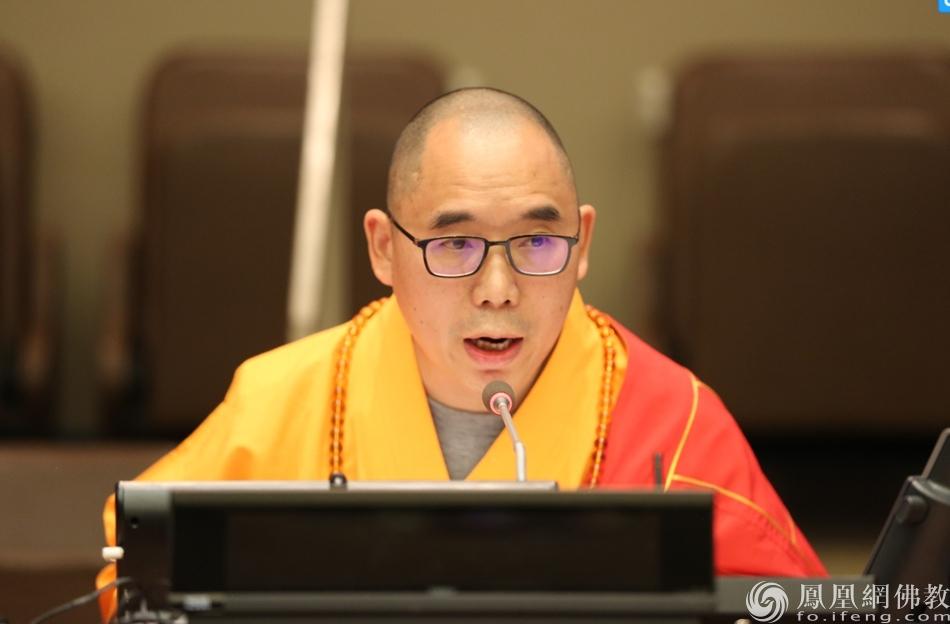 明予法师(图片来源:凤凰网佛教)