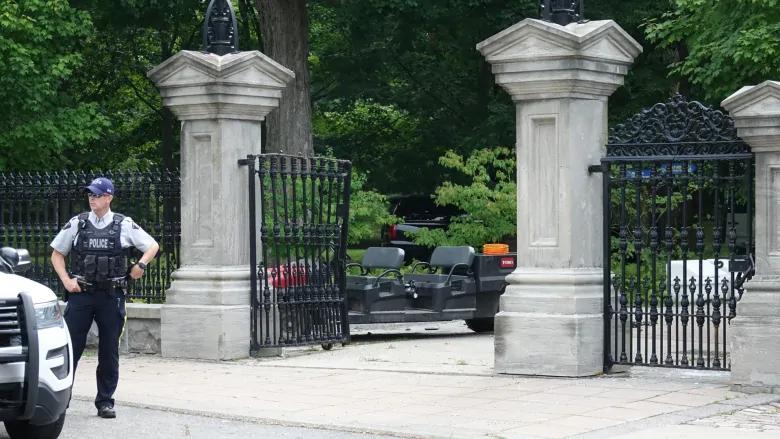 加拿大军人持枪闯入总督府:要找特鲁多谈谈