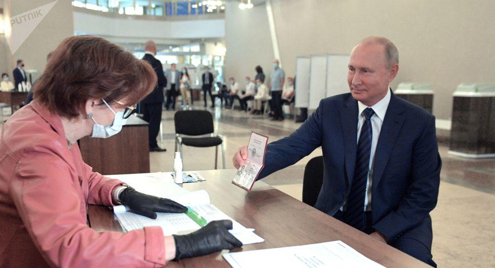 【济南一多秀直播大厅培训】_普京去投票为何不戴口罩?克里姆林宫回应