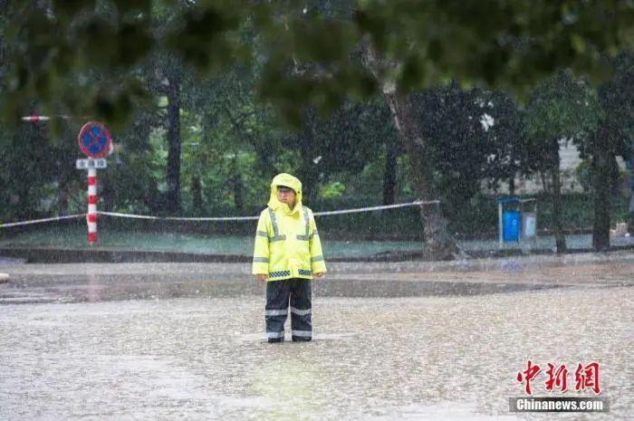 【百度竞价排名】_今年,南方暴雨为何这么猛?