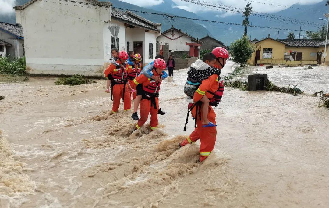 """南方洪灾:救援""""前所未有""""地艰难,社会关注度不高"""