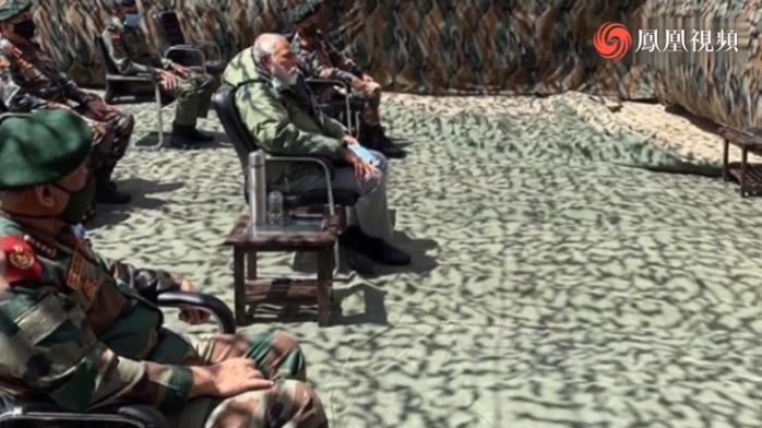 莫迪突然视察中印边境 专家:平息国内不满 为军购造舆论