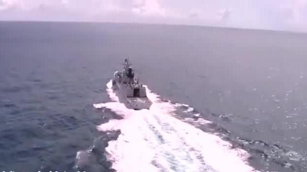 三大战区海军实战演练画面曝光:导弹护卫舰和驱逐舰火力全开