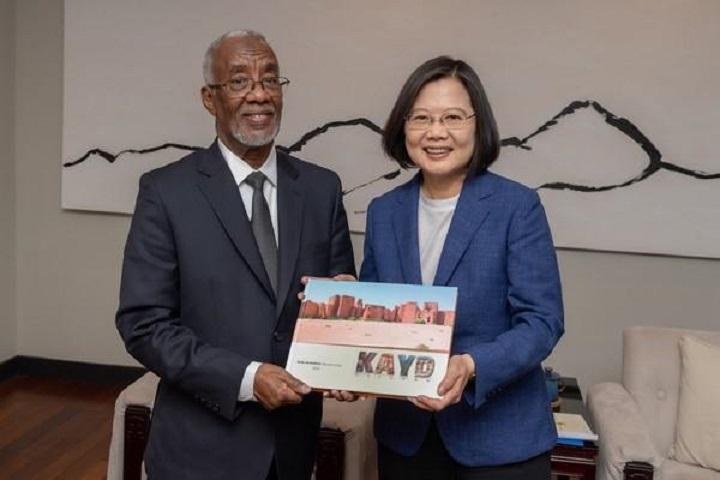 果然撒币了!台湾捐15万片口罩、300吨白米给索马里兰