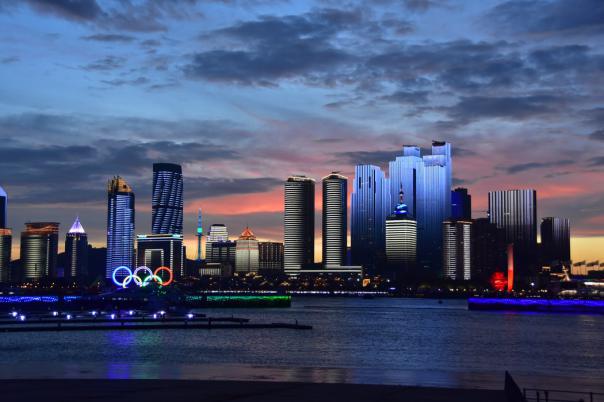百年启新,青岛如何以现代服务业护航新未来?