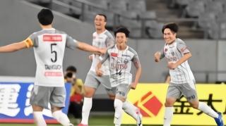 0-4!申花亚冠对手惨败,前亚冠冠军彻底崩盘,今年6连败垫底