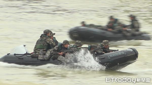 【什么叫网站优化】_台军演练突击艇翻覆致1死2命危,承办人办公室自杀