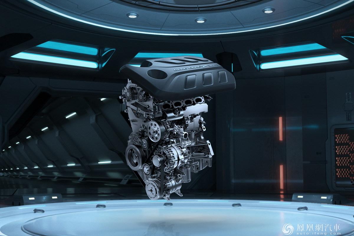 长安全新CS55PLUS蓝鲸版亮相 颜值实力全面提升