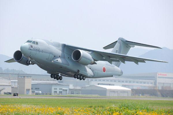 """日本""""推销""""C-2运输机 防卫相""""现身说法"""""""