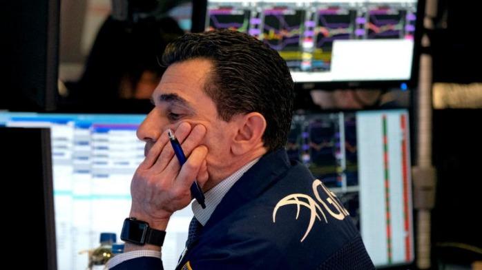 美股三大股指小幅下跌,特斯拉涨超2股价突破1400美元关口