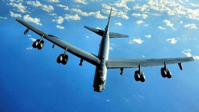 美军轰炸机重回关岛 专家:要打消幻想 主动出击应对