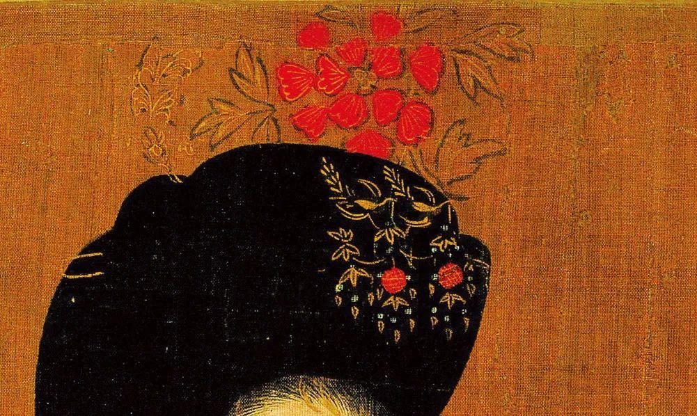 唐・周�P《簪花仕女图》(局部),左边贵妇头上的花卉头饰主要有金和朱红两种颜色。其中的朱红色是用树脂制成的漆涂在金属箔片或金属丝上而得到的,与朱砂混合在一起,就制造出这种明亮的红色色彩