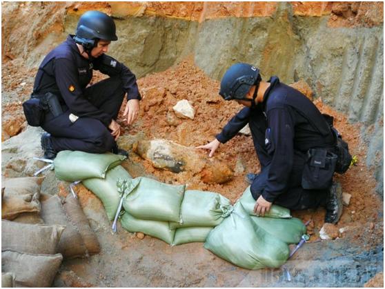 香港一工地内发现炸弹。图源:香港警方脸书账号
