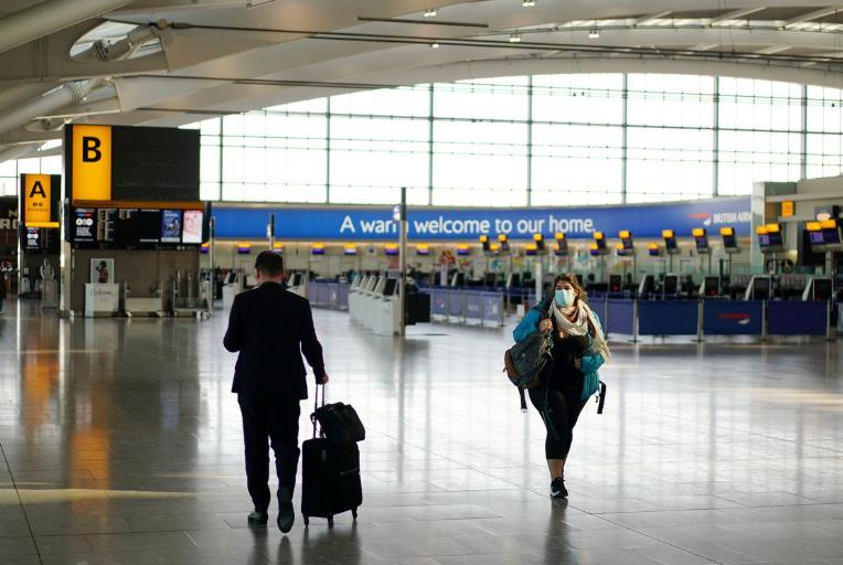 """【永济网】_旅客数骤降95% 英最大机场喊话政府""""求救"""":放宽防疫措施"""