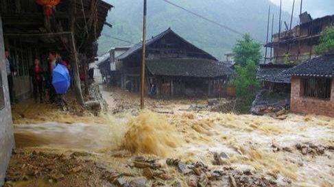 转扩!遇到突发洪水,该如何自救求援?