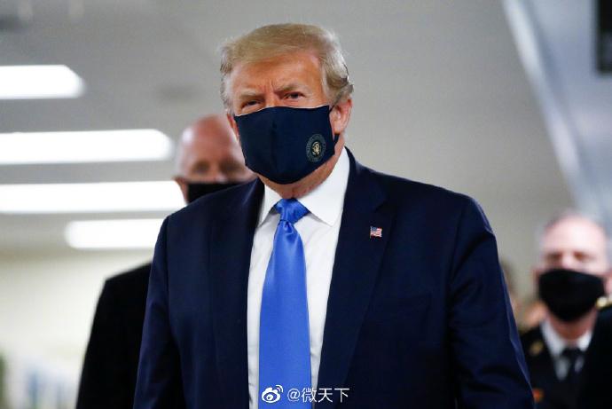 【迪士尼彩乐下载】_疫情在美国爆发以来 特朗普首在公开场所戴口罩