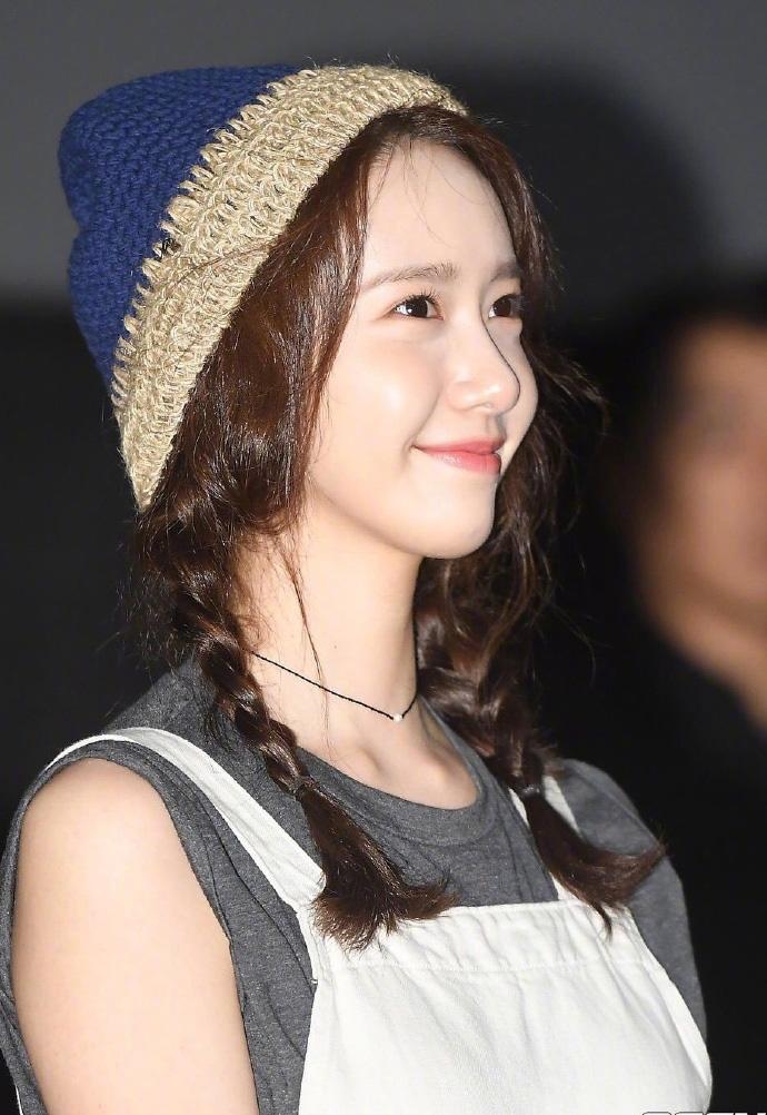 """林允儿郑秀晶装""""嫩""""的这款发型 也让韩国女爱豆集体上头了"""