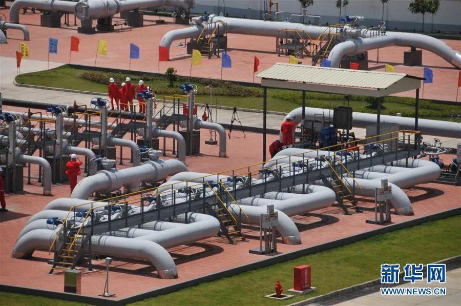 中缅油气管道,图自新华网。