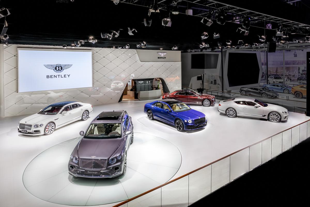 宾利新添越亮相成都车展 重新定义超豪华SUV