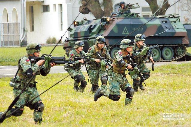 【亚洲天堂每日一贴】_台最新民调:两岸一旦发生冲突,岛内近5成民众不愿上战场