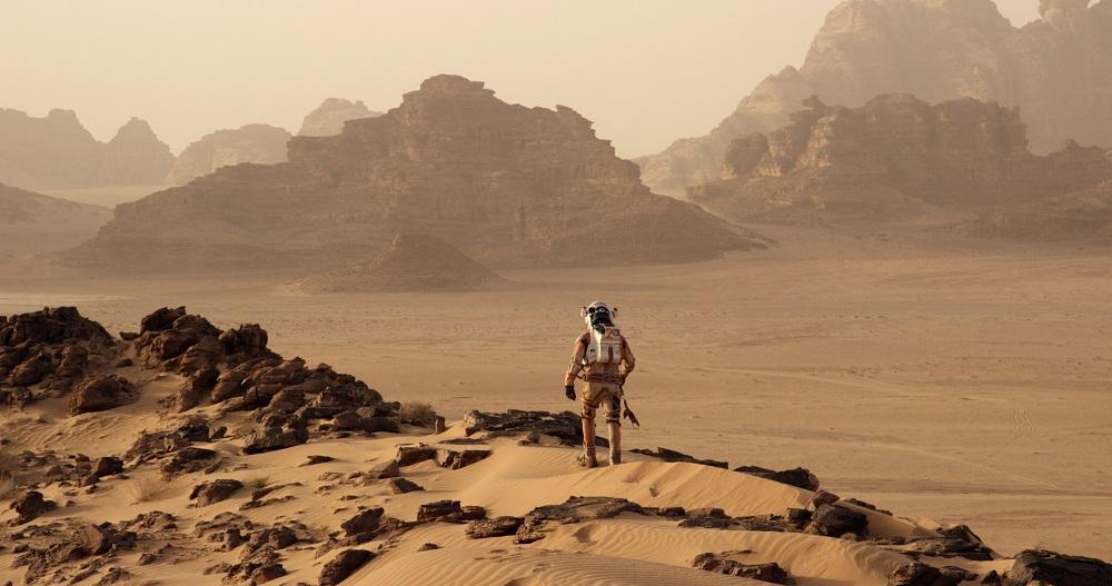 △科幻电影《火星救援》中,马特·达蒙饰演的美国宇航员马克·沃特尼被滞留火星上