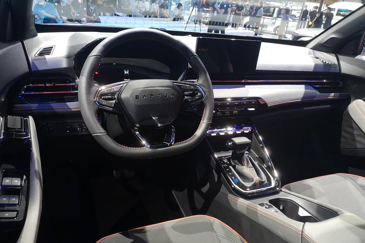 新宝骏RS-3成都车展上市 售价8.78-9.88万元
