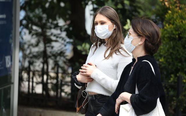 【厦门亚洲天堂公司】_一个口罩8块钱!法国强制戴口罩引争议 低收入家庭称买不起