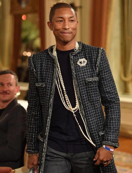 怎么男生都开始戴珍珠项链了?