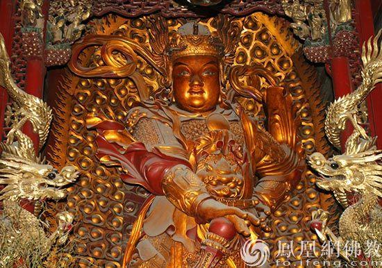韦驮菩萨像(图片来源:凤凰网佛教 摄影:丹珍旺姆)