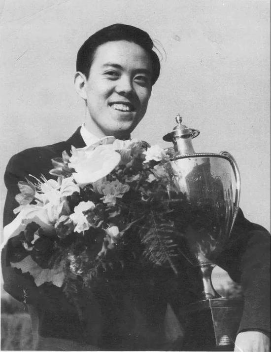 中国乒乓球的第一和唯一,刘国梁邓亚萍成就如何?