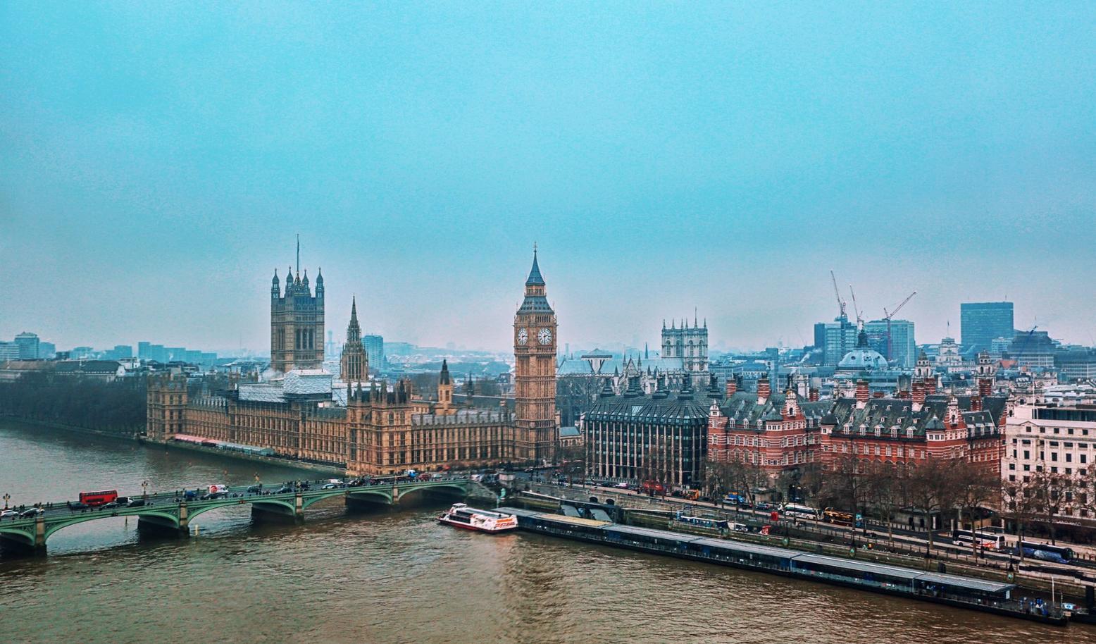 英国将西班牙从安全旅游目的地中移除