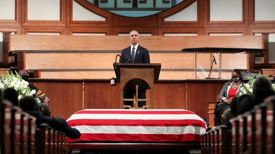 【赢咖3娱乐】_三位前美国总统齐聚葬礼,特朗普坚决不出席,怎么还被表扬了?