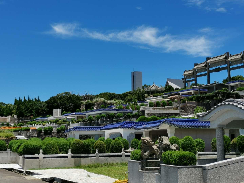 白沙湾墓园,李登辉和曾文惠家族墓园就在这一区。