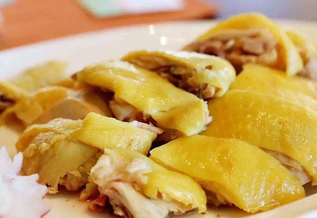 如何一次吃到海南最好吃的鸡、椰子和海鲜?